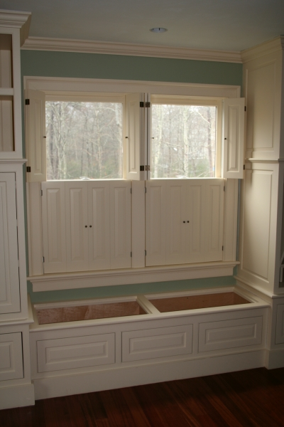 Raised flat panel interior colonial shutterworks for Interieur shutters
