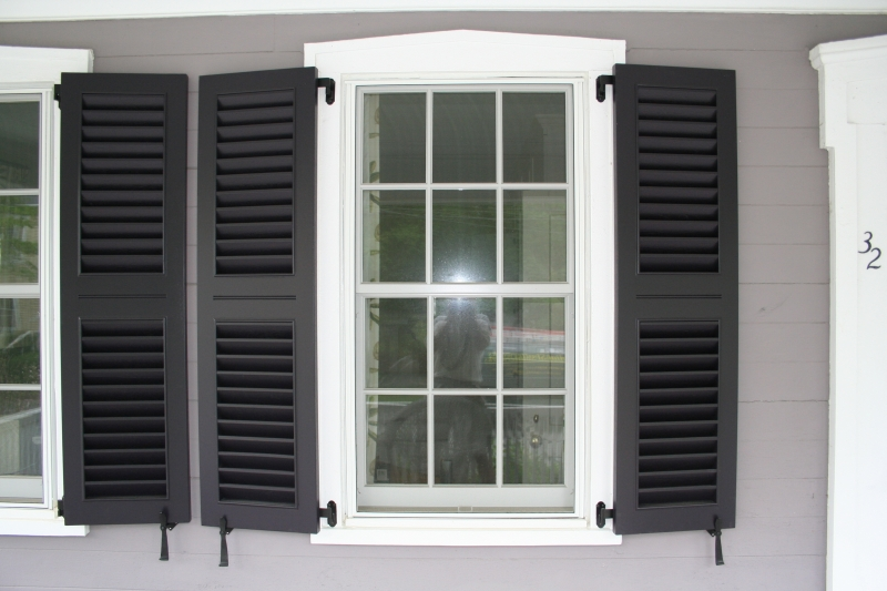 Exterior louvered shutters colonial shutterworks for Exterior louvered window shutters